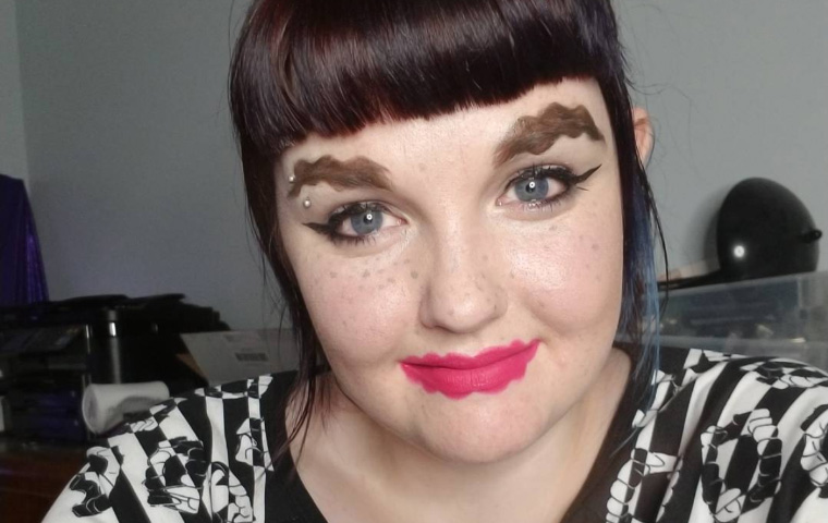 Squiggle Brows And Lips Beauty Trend Takes Over Instagram