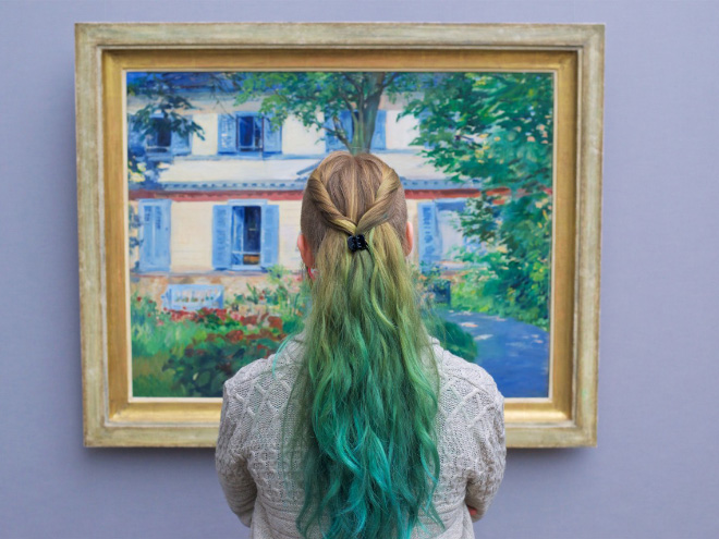 Hair perfectly matching with a painting.