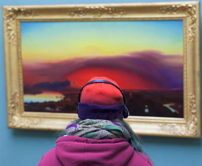 Hat perfectly matching a painting.