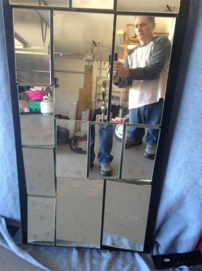 Mirror seller photo.