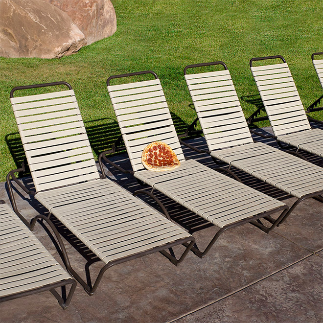 Sunbathing pizza.