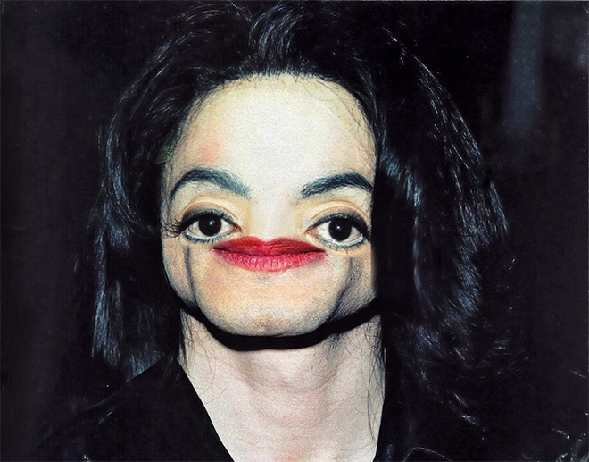 Ever wondered how he would look like without a nose?