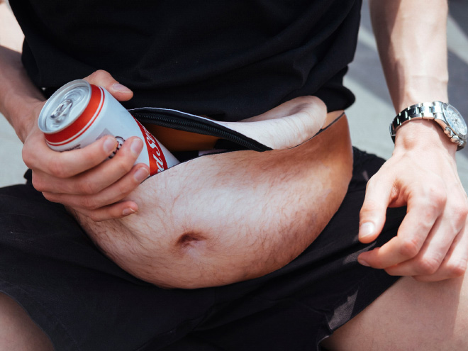 Dadbag fanny pack that look like a hairy gut.