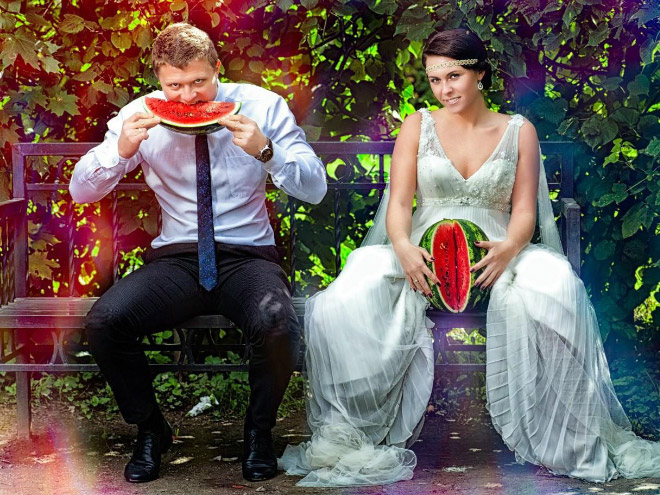 When it comes to wedding photos, nobody does it as awkward as Russians.