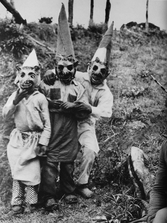 Vintage Halloween Costumes Used To Be Creepy Instead of Sexy