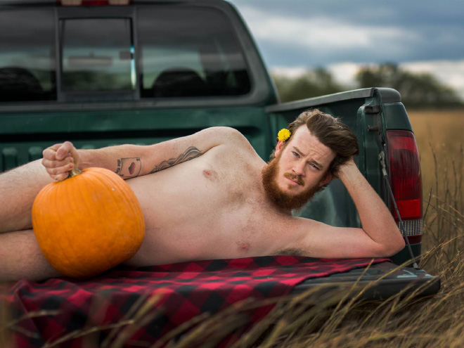 Beautiful, sensual Halloween photoshoot picture.