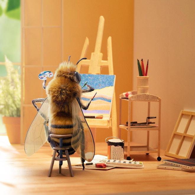 Bee influencer.